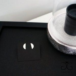 Half moon stud earrings - GG UNIQUE