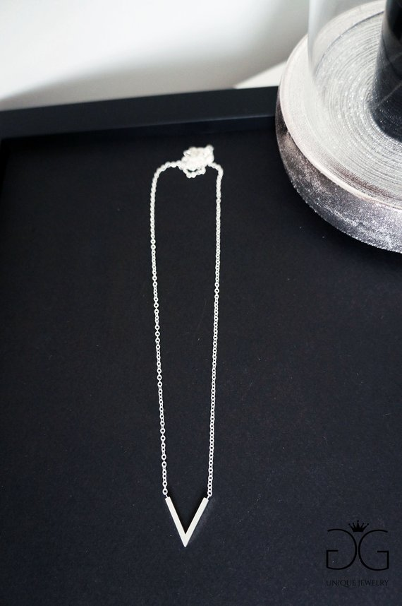 V minimal necklace - GG UNIQUE