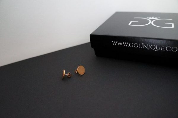 Rose gold round plate minimalist earrings GG UNIQUE